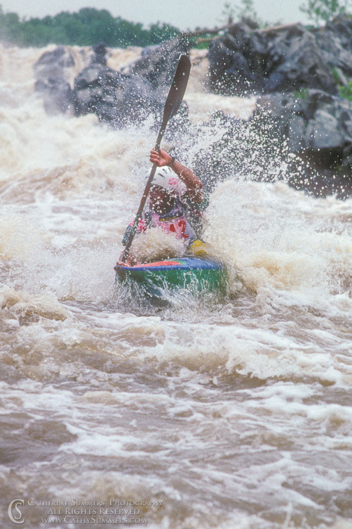 1990_GFR_01: vertical, Great Falls National Park, Great Falls, whitewater, kayaking, slalom, Odeck, O'deck
