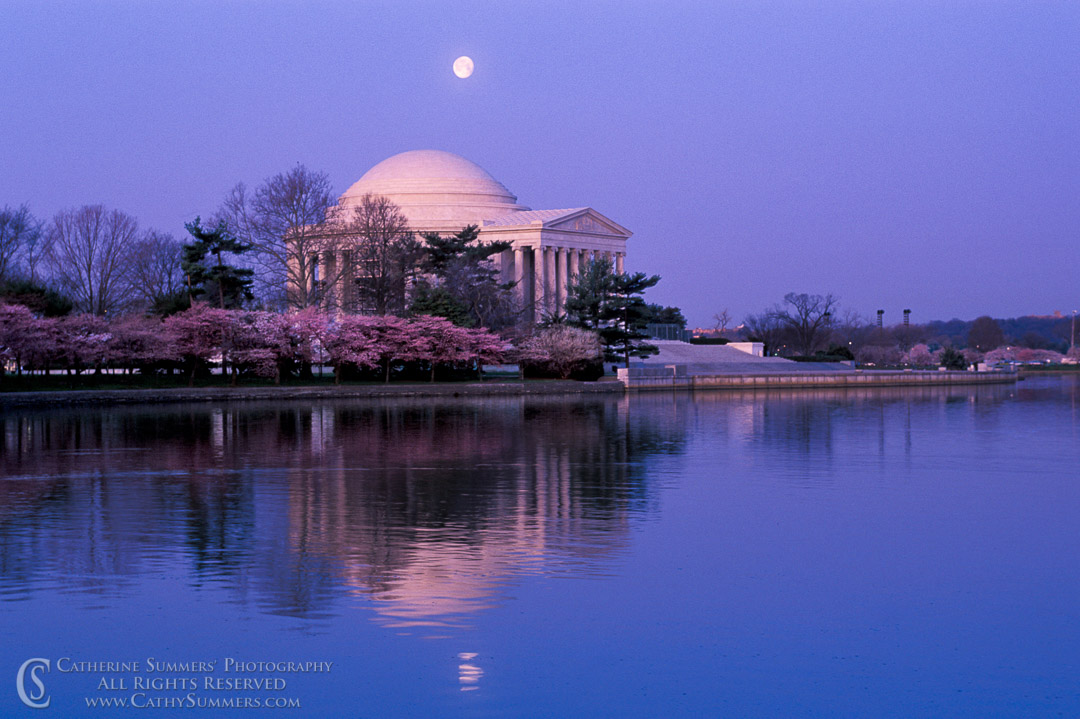 93_0221: Moonset at Jefferson Memorial #3