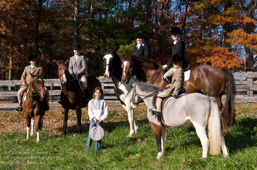 FH_20081108_033: Farmington Hunt, Fox Hunting, Opening Meet, Millington, Gibbie Evert, Issy Evert, Pam French, Stewart Summers