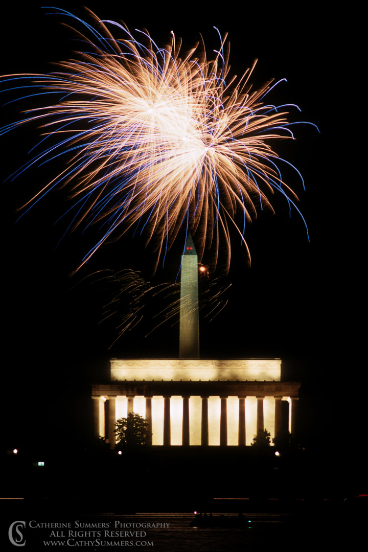 FW_1988_005: Fireworks, Memorial & Monument #5