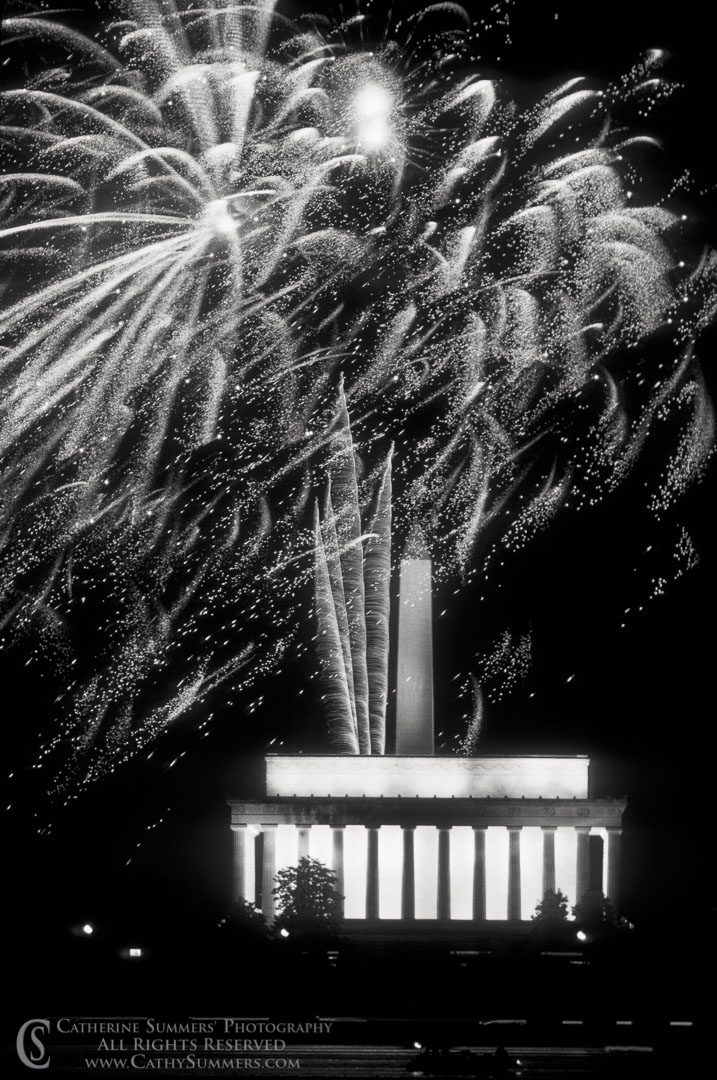 FW_1988_010_BW: vertical, DC, Washington, reflection, Washington Monument, fireworks, Fourth of July, Lincoln Memorial