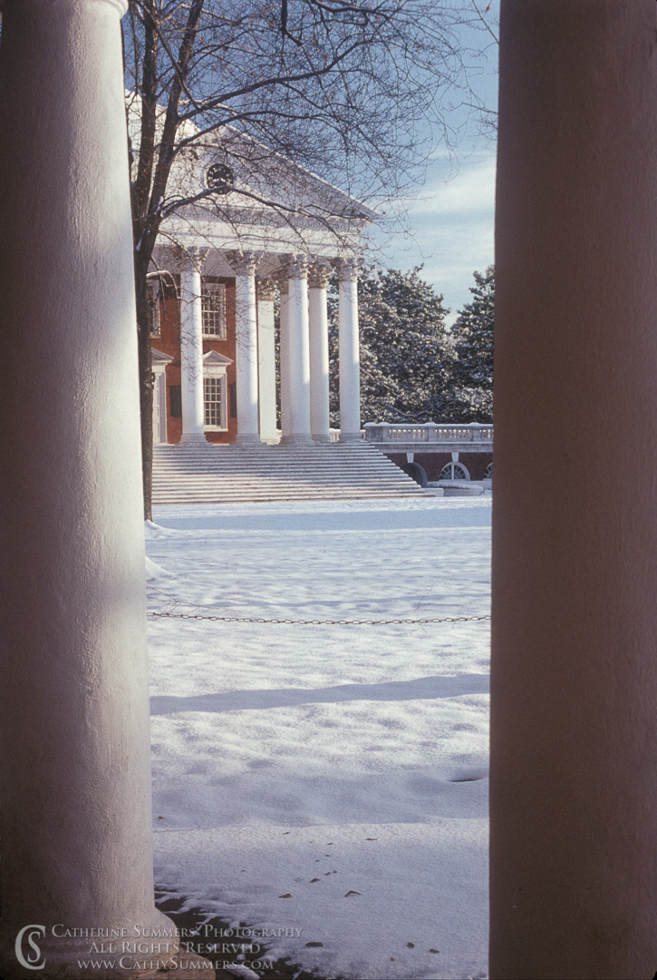 UVA_1989_007: Winter, snow, rotunda, University of Virginia, UVA